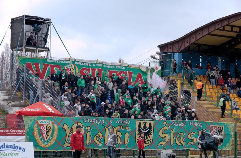 14 kwietnia 2012r. Podbeskidzie Bielsko-Biała - Śląsk Wrocław 1-1. Sektor Ślązaków w Bielsku.